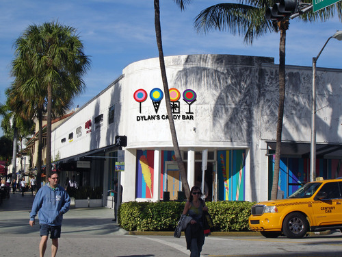 Terranova/Acadia Team on $139 Million Lincoln Road Buy. (PRNewsFoto/Terranova Corporation)