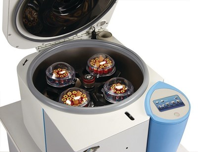 The NuWind Bench Top Centrifuge features the InSight Electronic Control System, a touchscreen that simplifies operation.