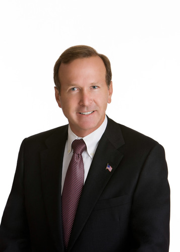 Neil Bush, Chairman of Points of Light, will present the closing keynote address at the inaugural Business4Better conference and expo, scheduled for May 1-2, in Anaheim, CA.  (PRNewsFoto/Business4Better)