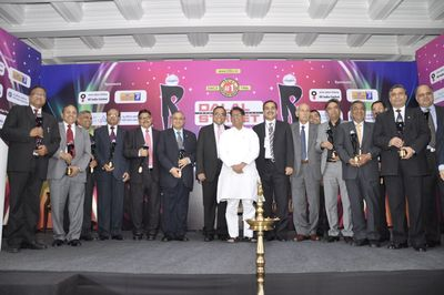 Mr. Ajit Singh, Union Minister of Civil Aviation and Mr. Sanjay Padode, Managing Director of DSIJ Pvt. Ltd. with the winners at 4th DSIJ PSU Awards 2012