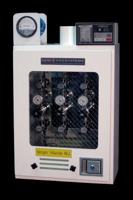 SEMI-GAS(R) Systems Simplifies Gas Distribution with Semi Automatic Valve Manifold Box.  (PRNewsFoto/SEMI-GAS Systems)
