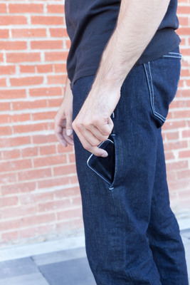 I/O Pocket(TM) to Hide and House Smartphones.  (PRNewsFoto/I/O Denim LLC)