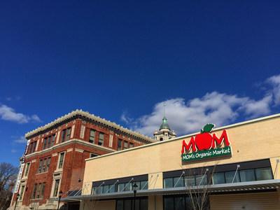 MOM's Organic Market Hampden