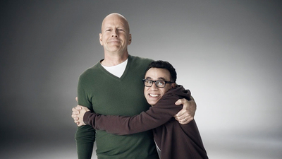 Bruce Willis and Fred Armisen demonstrate Honda's commitment to safety leadership with a hug.  (PRNewsFoto/Honda)