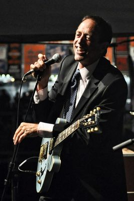 Blues legend Tom Lavin becomes UCW's 11th honorary degree recipient