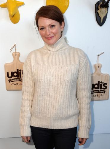Julianne Moore enjoyed a gluten-free lunch at Udi's Gluten Free Table, a pop-up restaurant during the 2013 Sundance Film Festival. (PRNewsFoto/Udi's Gluten Free Foods) (PRNewsFoto/UDI'S GLUTEN FREE FOODS)