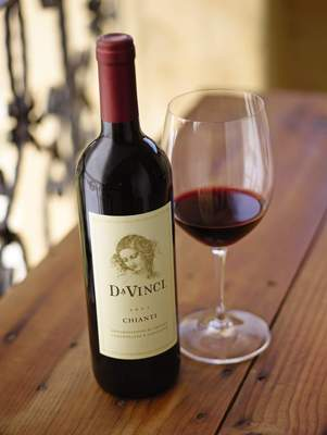 "DaVinci(R) Wines announces the fourth annual ""Storyteller Experience,"" inviting creative individuals to experience a week in Tuscany, the home of Chianti.  (PRNewsFoto/DaVinci Wine)"