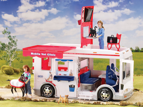 Breyer's Classics Mobile Vet Clinic (#61060) will be a featured highlight at Reeves International Booth 2107 at the American International Toy Fair, Feb. 10-13, 2013 at the Jacob Javits Center. The ultimate toy for animal-loving children, the Mobile Vet Clinic will inspire hours of imaginative play. Aspiring veterinarians will appreciate the realistic features, which include rolling wheels, working lights and siren, pop-up x-ray screen and exam table, corral fencing, two horse stalls, loading ramp, awning, and more! (PRNewsFoto/Reeves International) (PRNewsFoto/REEVES INTERNATIONAL)