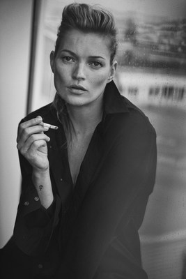 This spectacular overview of Lindbergh's extensive oeuvre will also present exclusive material varying from previously unseen material from personal notes, storyboards, props, polaroids, contact sheets, 'behind the scene' films with muses Kate Moss and Mariacarla Boscono and monumental prints. Photo credit: Peter Lindbergh, Kate Moss, Paris, 2015, Vogue Italia (Giorgio Armani, S/S 2015) (C) Peter Lindbergh (Courtesy of Peter Lindbergh, Paris / Gagosian Gallery) (PRNewsFoto/Kunsthal Rotterdam)