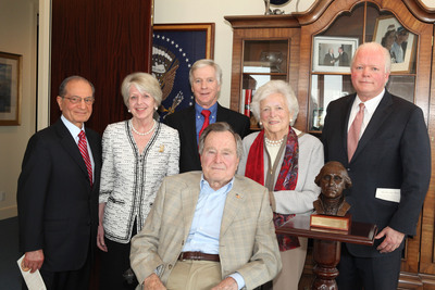 George Washington's Mount Vernon has awarded former President George H.W. Bush a new honor, the Cyrus A. Ansary Prize for Courage and Character. From left to right: Cyrus A. Ansary; Mount Vernon Regent Barbara Lucas; Ambassador Ryan C. Crocker, Dean, The George Bush School of Government and Public Service at Texas A&M University; President H.W. Bush; Former First Lady Barbara Bush; Mount Vernon President Curt Viebranz.  (PRNewsFoto/George Washington's Mount Vernon)