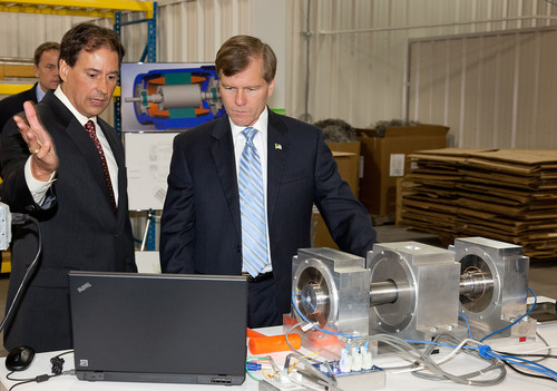 Virginia Governor Bob McDonnell Tours Synchrony