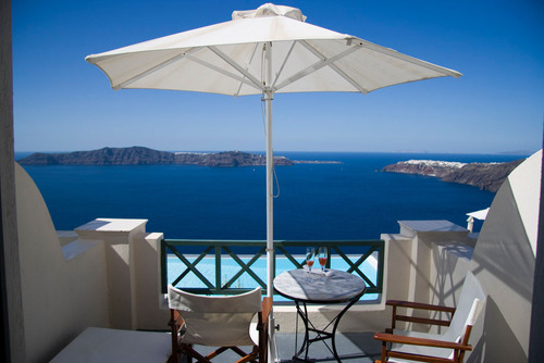 TripAdvisor reveals its 2013 Travelers' Choice Awards for Most Romantic Hotels.  (PRNewsFoto/TripAdvisor)