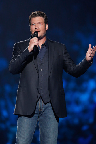 Blake Shelton concert raises millions for United Way Oklahoma tornado recovery.  (PRNewsFoto/United Way)
