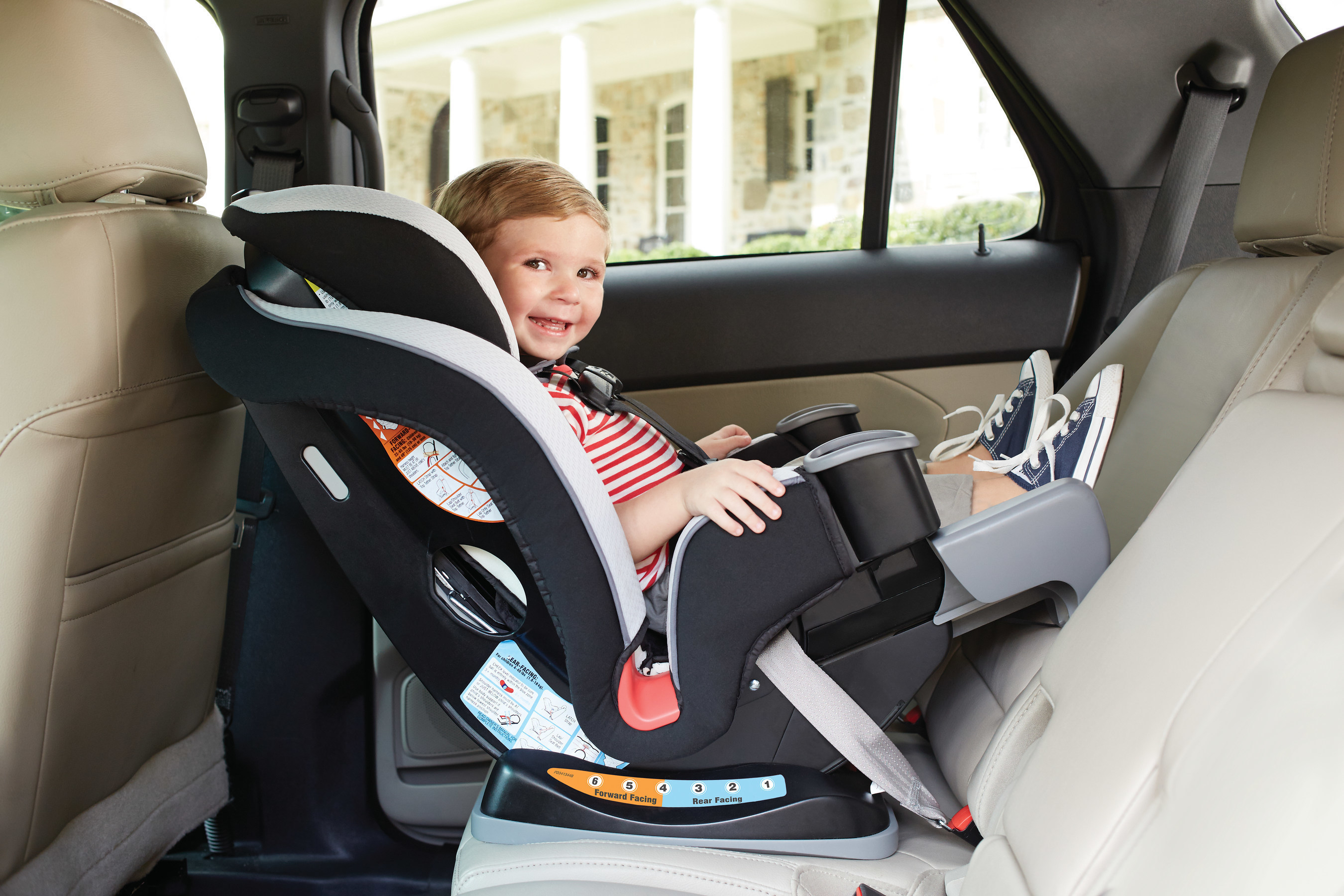 New Graco Extend2fitTM 3 In 1 Car Seat Maximizes Safety And