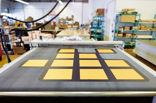 LFP department: growing demand for large-format printings (C) Onlineprinters GmbH (PRNewsFoto/Onlineprinters GmbH)