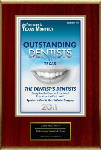 "Dr. Dieter Moya Selected For ""Outstanding Dentists In Texas"".  (PRNewsFoto/American Registry)"