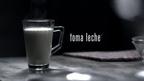 """La nueva campana publicitaria de TOMA LECHE reforzara los beneficios de la leche con respecto al sueno. """"Duermes Bien.  Suenas Bien. TOMA LECHE."""" / TOMA LECHE launches its new Hispanic ad campaign to reinforce milk's sleep benefits. """"Sleep Well (Duermes Bien).  Dream Well (Suenas Bien).  Drink Milk (TOMA LECHE).""""  (PRNewsFoto/California Milk Processor Board (CMPB), TOMA LECHE / GOT MILK?)"""