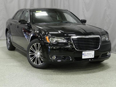 2013 Chrysler 300 in Green Bay.  (PRNewsFoto/S&L Motors)