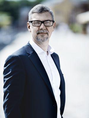 Morten Hjelmsoe semi-close up