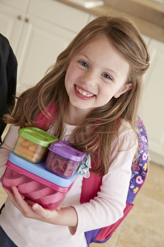 Rubbermaid LunchBlox Kids lunch kits save space and keep school lunches organized.  (PRNewsFoto/Rubbermaid)