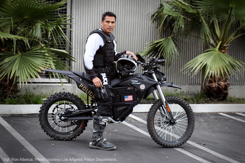 Sgt. Ron Alberca of the Los Angeles Police Department aboard the Zero MMX electric motorcycle. (PRNewsFoto/Zero  ...