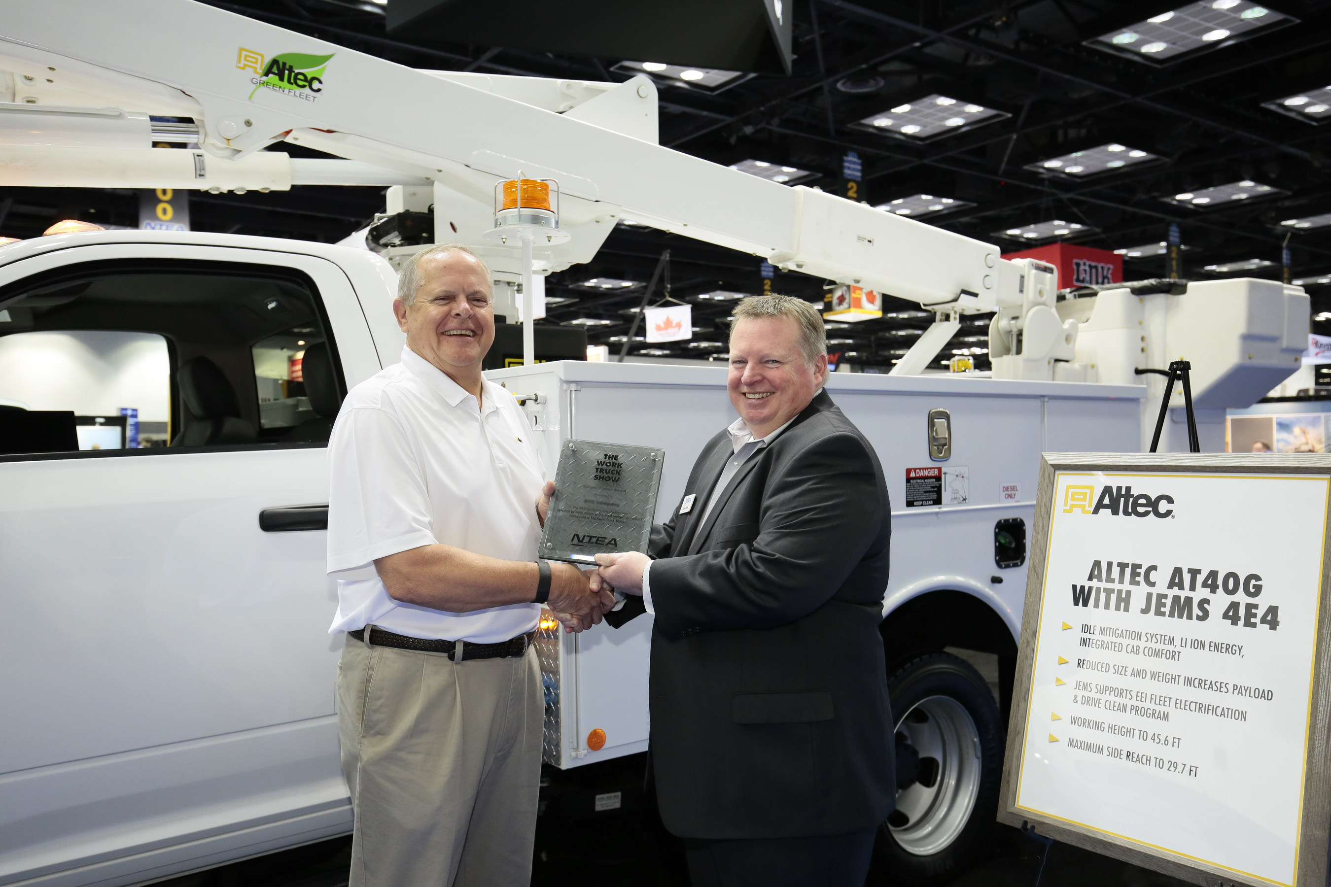 Altec® Inc. wins The Work Truck Show® 2016 Green Award for Hybrid-Electric Jobsite Energy