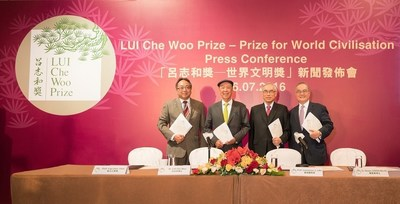 From left: Prof. Lap-Chee Tsui, Member, Board of Governors, LUI Che Woo Prize Limited; Dr. Lui Che Woo, Founder & Chairman of the Board of Governors cum Prize Council, LUI Che Woo Prize; Prof. Lawrence J. Lau, Chairman, Prize Recommendation Committee, LUI Che Woo Prize; Dr. Moses Cheng, Member, Board of Governors, LUI Che Woo Prize Limited (PRNewsFoto/LUI Che Woo Prize Limited)