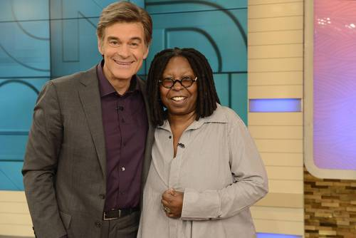 As part of May's programming, Dr. Oz welcomes Whoopi Goldberg to reveal how she quit her long-time addiction to smoking on 5/15. (PRNewsFoto/The Dr. Oz Show)