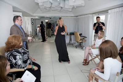 Hot Legs President and beauty expert Gayna Elvin will provide one-on-one consultations to models and attendees at Latino Fashion Week, Chicago, October 1 - 5.  (PRNewsFoto/Hot Legs Products)