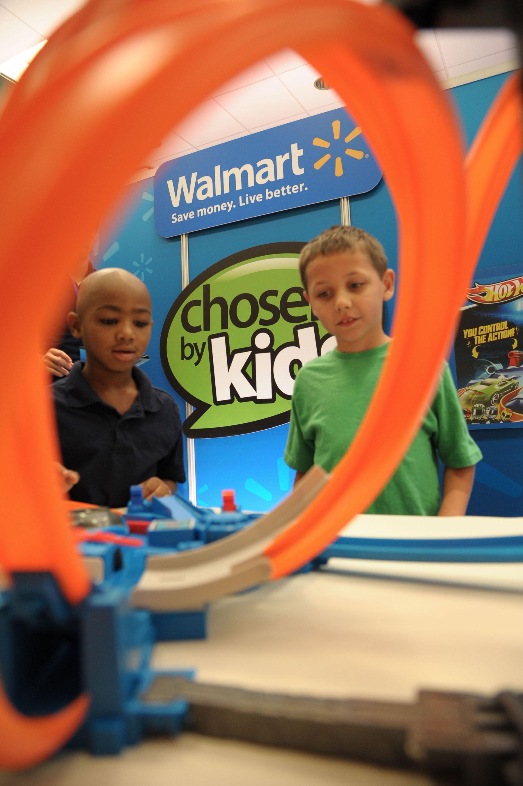 """Walmart's """"Chosen by Kids"""" Top Toys. (PRNewsFoto/Walmart) (PRNewsFoto/WALMART)"""