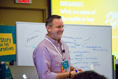 MegaFood CEO Robert Craven leads a brainstorm for ZingMojo attendees.