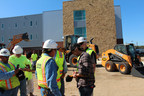 Country music star Kip Moore signs autographs and delivers free lunch to construction workers in San Antonio.