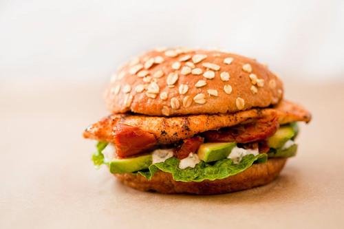 Grilled Chicken Sandwich.  (PRNewsFoto/LYFE Kitchen)