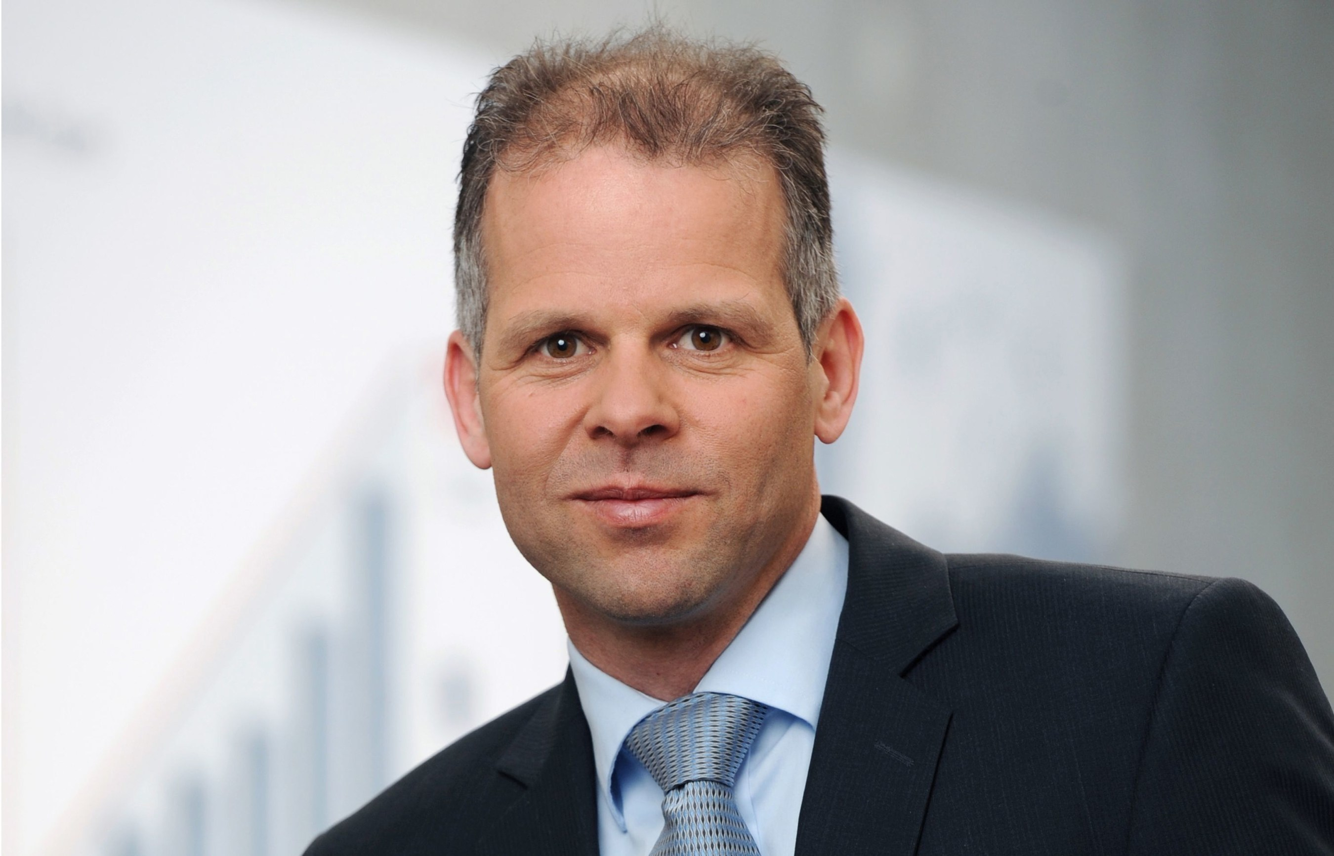Dr. Adrian Keppler, Chief Marketing Officer (CMO) at EOS (Source: EOS). (PRNewsFoto/EOS India) (PRNewsFoto/EOS India)