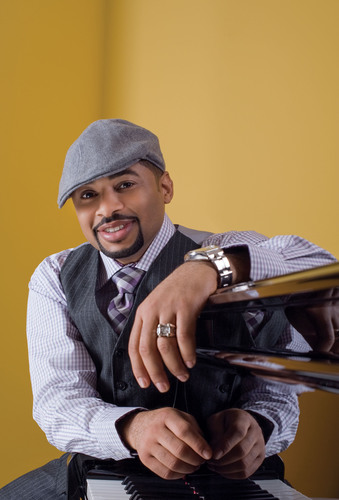 Multi-award winning gospel sensation Smokie Norful headlines McDonald's Inspiration Celebration Gospel Tour. With performances by chart-topping artists Tamela Mann, Lecrae, John P. Kee and Vickie Winans, the concert series brings together three generations of gospel music's finest to give back to communities nationwide. McDonald's Inspiration Celebration Gospel Tour will make stops in nine cities from May 9 through August 30.  (PRNewsFoto/McDonald's USA, LLC)