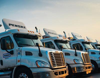 Penske Logistics Earns 2013 U.S. EPA SmartWay Excellence Award. (PRNewsFoto/Penske Logistics) (PRNewsFoto/PENSKE LOGISTICS)