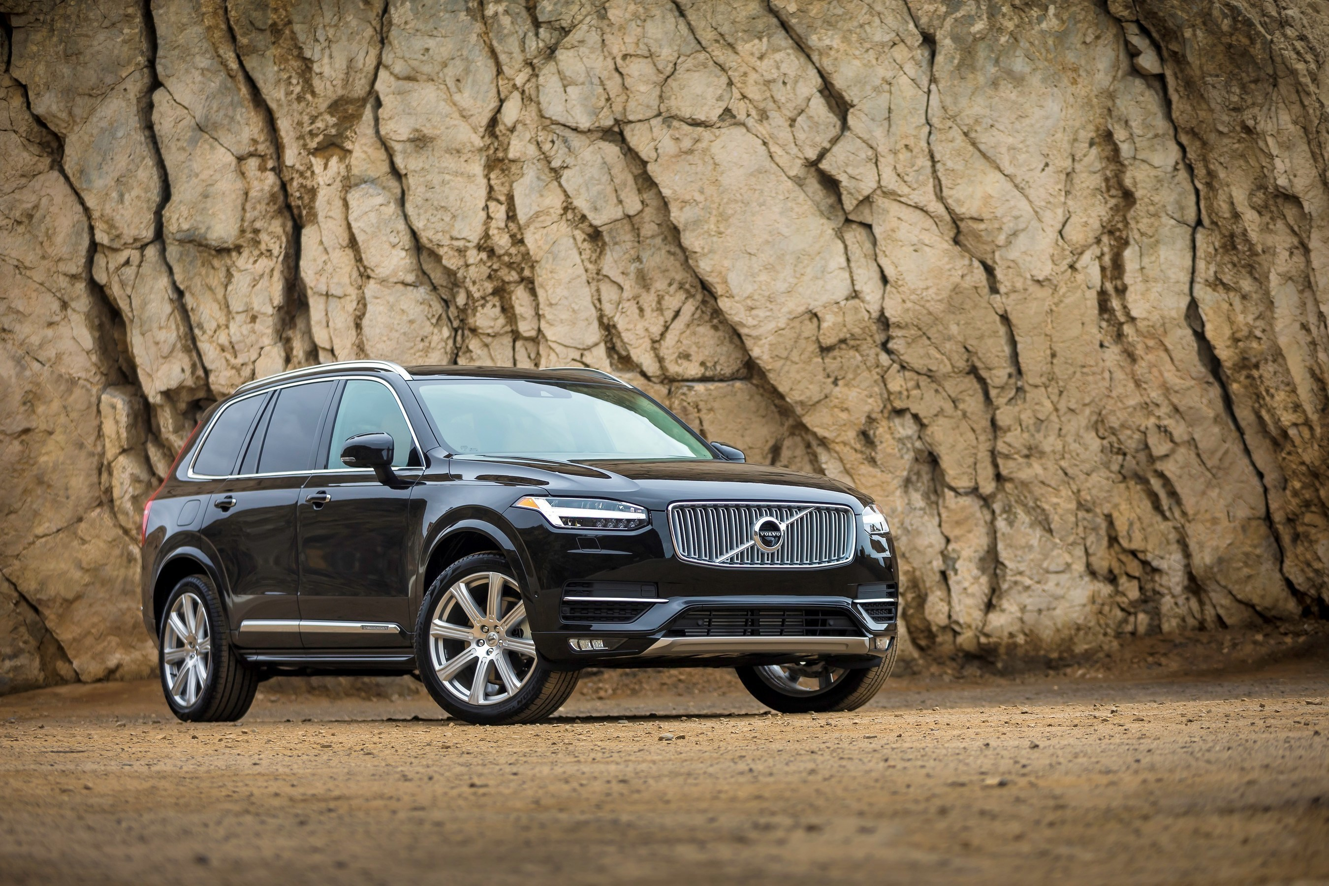Volvo XC90 Named 2016 North American Truck of the Year