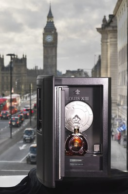 "Louis XIII safe arrives in London containing ""100 Years - the movie you will never see"" (PRNewsFoto/LOUIS XIII COGNAC)"