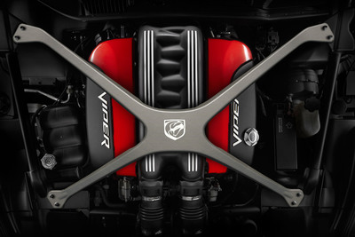 Mopar offers performance cross car x-brace on 2013 SRT Viper. (PRNewsFoto/Chrysler Group LLC)