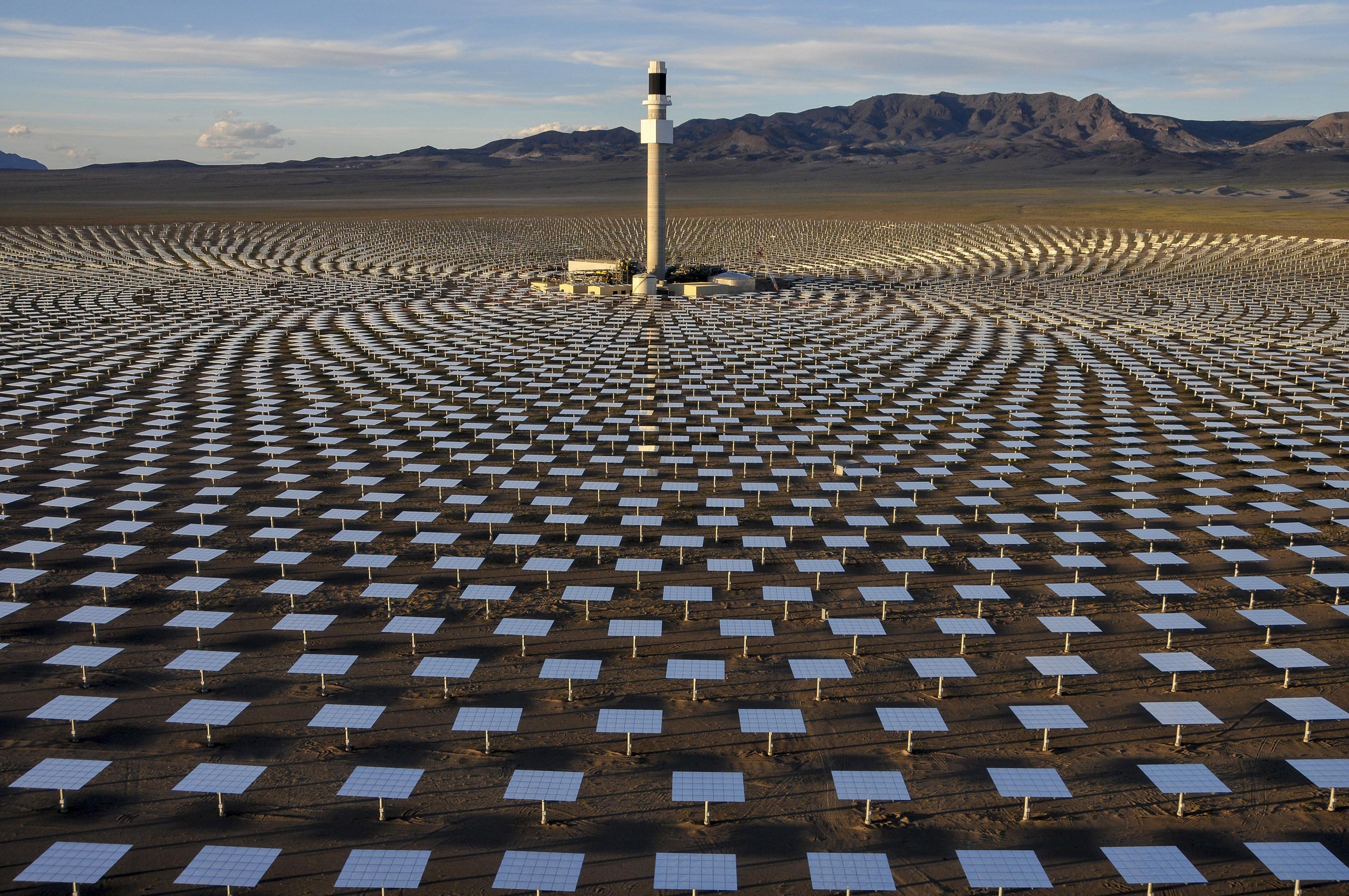 Crescent Dunes Solar Power Plant: World's Leading Solar Thermal Energy Storage Technology