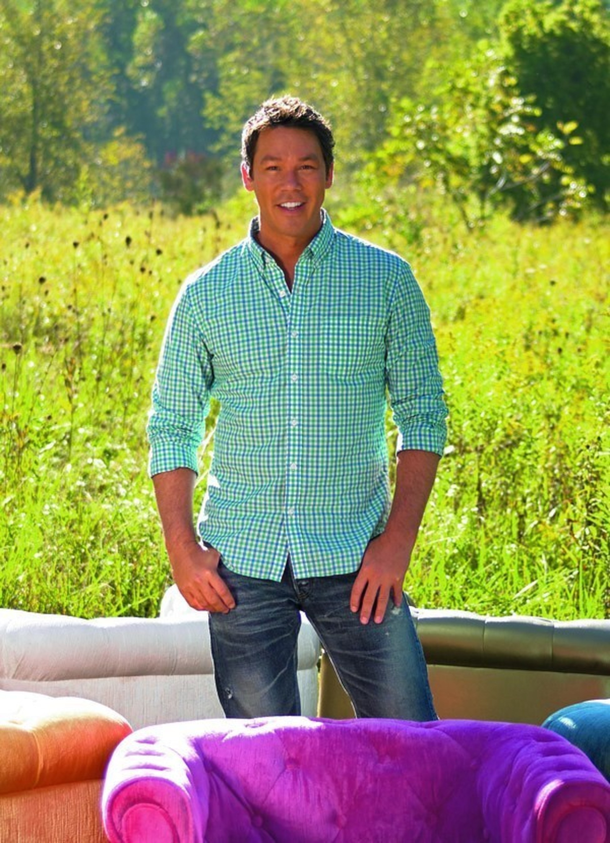 Grandin Road announces its new partnership with HGTV host and design star David Bromstad to launch David Bromstad Home by Grandin Road.
