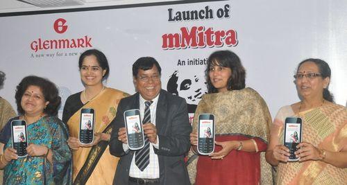 L to R – Dr. Ashwini Gandhi (Vice President, FOGSI), Dr. Aparna Hegde (Founder, Chairperson and Managing Trustee, ARMMAN), Mr. Jayant Banthia (Ex-Chief Secretary of Government of Maharashtra), Ms. Cheryl Pinto (Director, Corporate Affairs Glenmark), Dr. Mamta Manglani (HOD, Dept. of Paediatrics, LTMGH) (PRNewsFoto/Glenmark Pharmaceuticals Ltd)