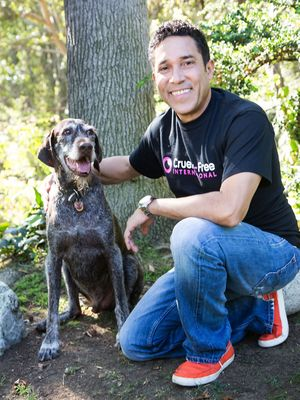Oscar Nunez, with his rescue dog Gus, joins a host of other celebrities in supporting Cruelty Free International in their campaign to end cosmetics testing in the US. Cruelty Free International is the only organisation campaigning solely for a global ban on animal cosmetics testing.  Website: www.crueltyfreeinternational.org.  Photo credit - Leslie Hassler.