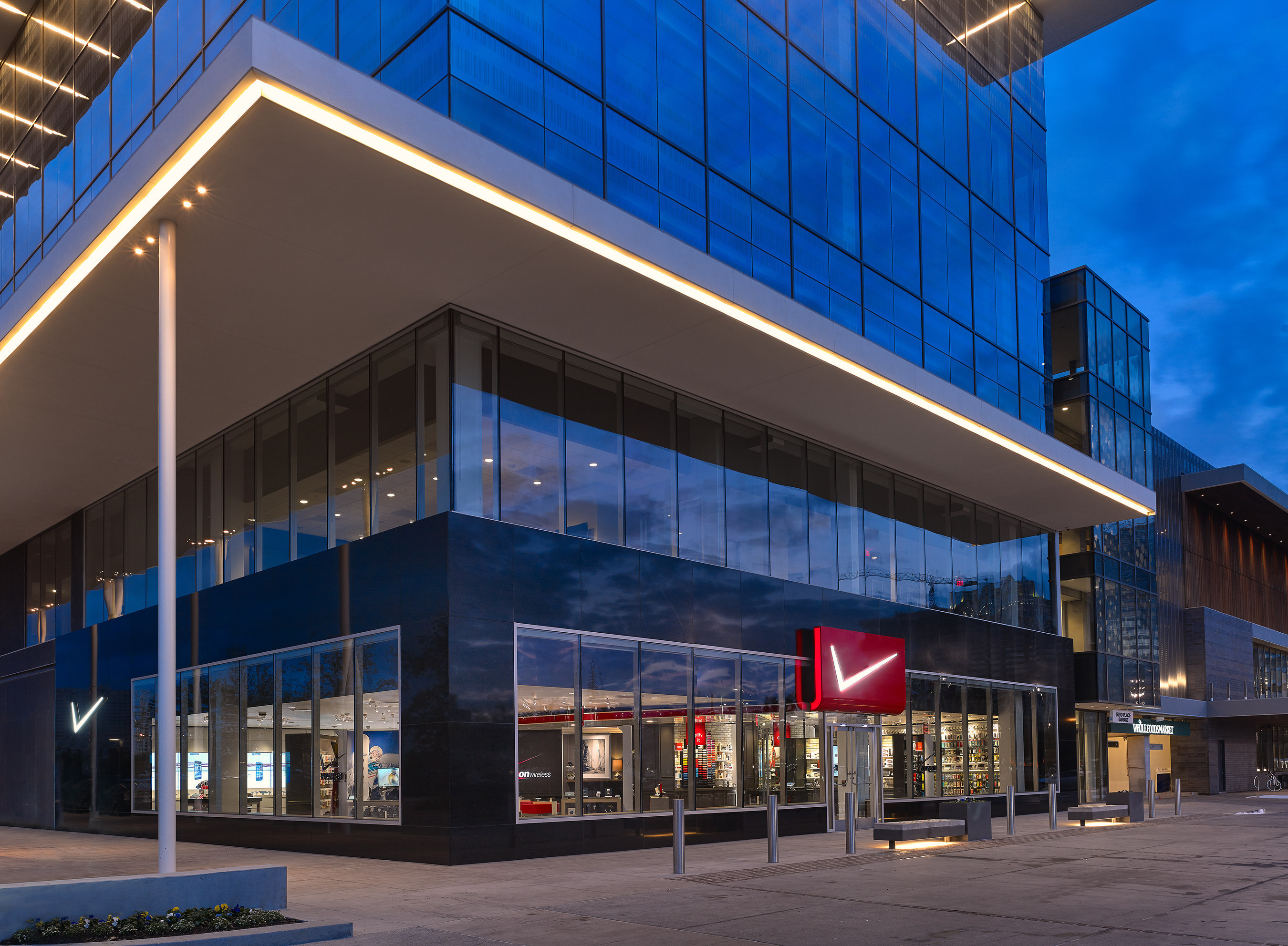 The Verizon Destination Store opened in Houston, Texas today at BLVD Place shopping center. Verizon is taking ...