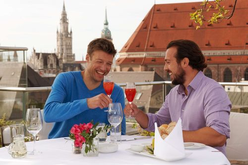 Indulge yourselves above the rooftops of Munich. (PRNewsFoto/Munich Tourist Board)