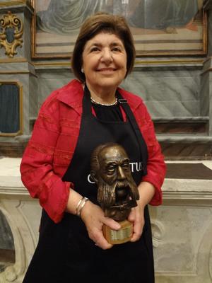 Chef Mary Ann Esposito receives the Premio Artusi Award in Forlimpopoli, Italy on September 14th.  (PRNewsFoto/Filippo Berio Olive Oil)