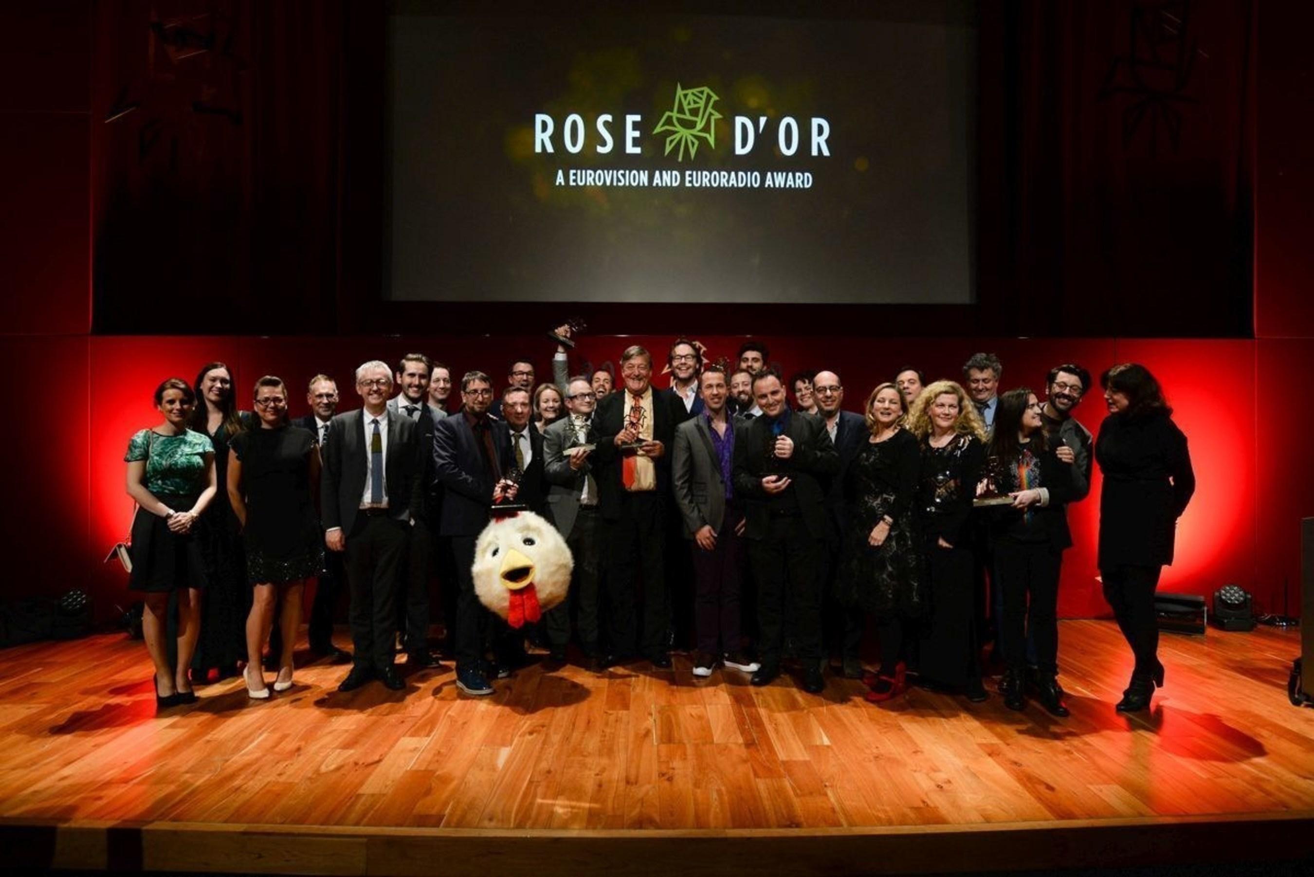 Rose d'Or 2015 winners on stage with lifetime award winner Stephen Fry (PRNewsFoto/European Broadcasting Union) (PRNewsFoto/European Broadcasting Union)