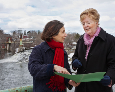 Donna Cassese, managing director, Westbrook Mill, Sappi Fine Paper North America and City of Westbrook Mayor Colleen Hilton.  (PRNewsFoto/The City of Westbrook/Sappi Fine Paper North America)