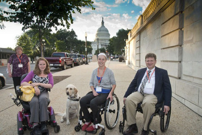 United Spinal members: Stephanie Woodward (NY),  Alex Wegman (NY), Scott Porter (FL).  (PRNewsFoto/United Spinal Association)