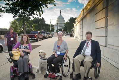 United Spinal members: Stephanie Woodward (NY),  Alex Wegman (NY), Scott Porter (FL).  (PRNewsFoto/United Spinal Association)